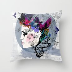 Estrella Throw Pillow