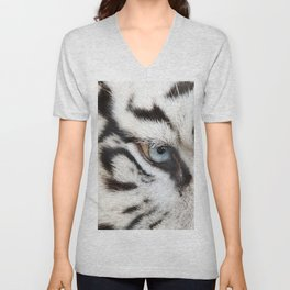 Bengal White Tiger Close Up (Panthera tigris tigris) Unisex V-Neck