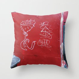 As aventuras da Perna Cabeluda Throw Pillow