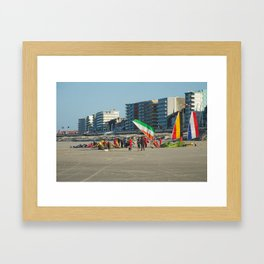 Chars à voile Beach Framed Art Print
