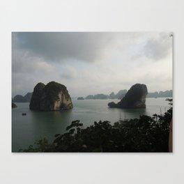 Ha Long bay, Vietnam Canvas Print