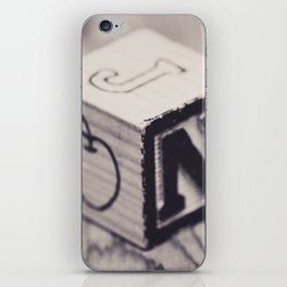 Toy cube... Monochrom iPhone Skin