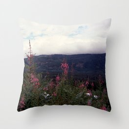 squamish 2014 dos Throw Pillow