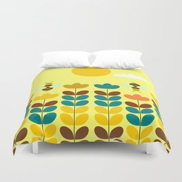 Flowers with bees Duvet Cover