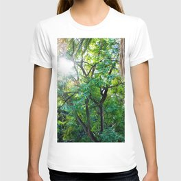 The enchanted woods | Bright tropical forest palm tree exotic green photography T-shirt