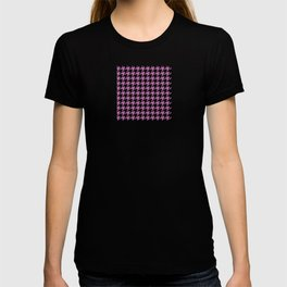 Houndstooth design in bodacious and black T-shirt