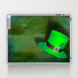 A Leprechauns Hat on a textured green background Laptop & iPad Skin