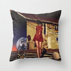 An unusual rendezvous Throw Pillow