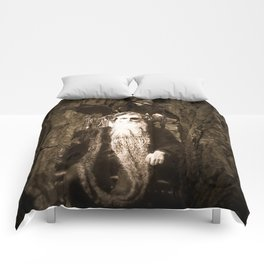 Oberon King of the Wood Faires Comforters