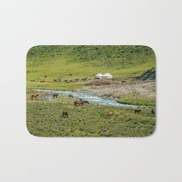horse by zhao chen Bath Mat