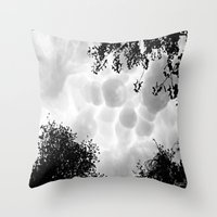 aliens Throw Pillows featuring Aliens  by inka