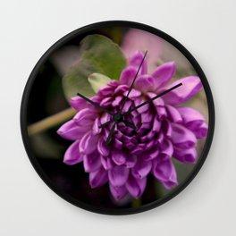 la vie en violet Wall Clock