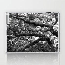 Live Oak Tree - black and white Laptop & iPad Skin