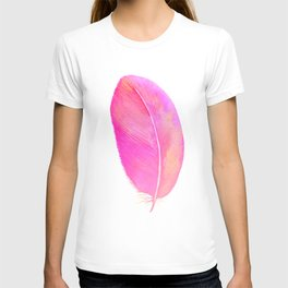 Pink Feather 01 T-shirt