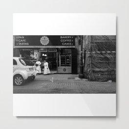 Monjas en el Bakery Shop Metal Print