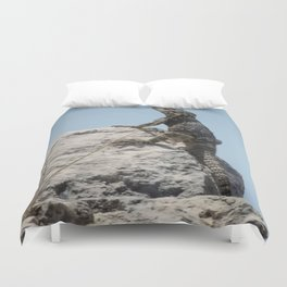 Lizard Sunbathing On A Rock Vector Duvet Cover