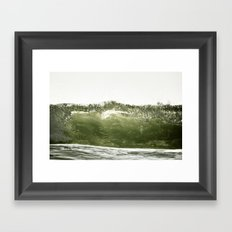 L'onde Framed Art Print