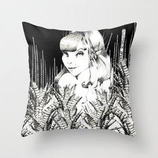 UZU JUNGLE FEVER   Throw Pillow