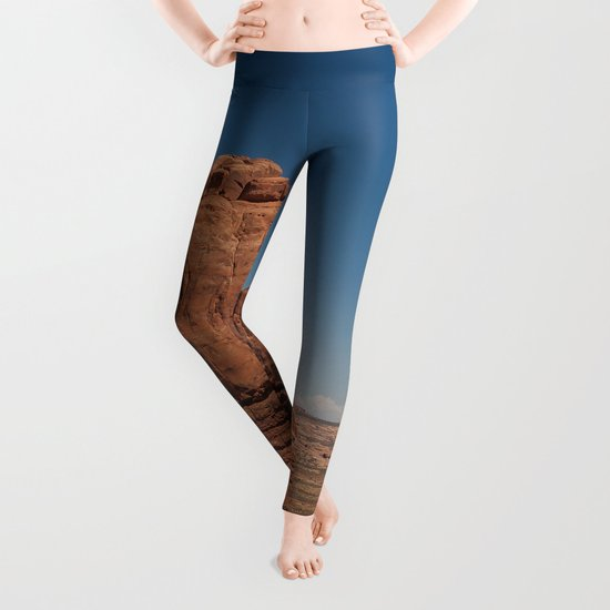 Monolith Leggings