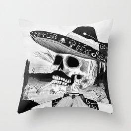 Desierto. Throw Pillow