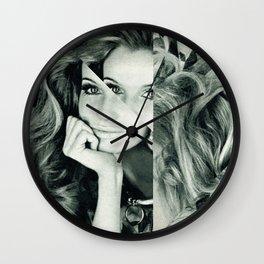 Frau Dreiecke 2 Wall Clock