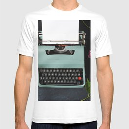 Vintage typewriter with hydrangea flowers T-shirt