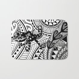 bluering octopus and boxer crab in tribal Bath Mat