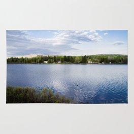 Casa no lago perto de Montreal Rug