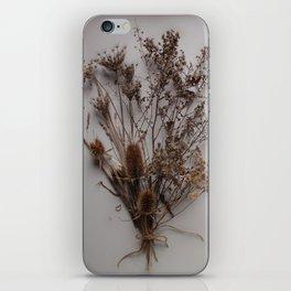 Bouquet Séché iPhone Skin