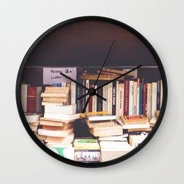 Livres Wall Clock
