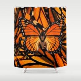 ORANGE MONARCH BUTTERFLY PATTERNED ARTWORK Shower Curtain