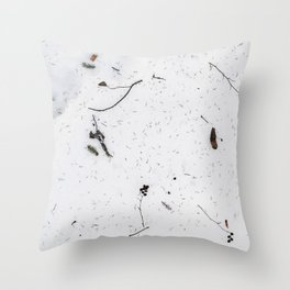 Snø Throw Pillow