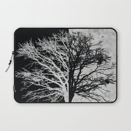 Natural Outlines - Oak Tree Black & Concrete #402 Laptop Sleeve
