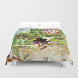 bumble bee on the dunes I Duvet Cover