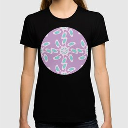 Abstract Script Letter Q Pattern T-shirt