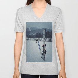 ski equipment Unisex V-Neck