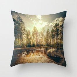 Sonne II Throw Pillow