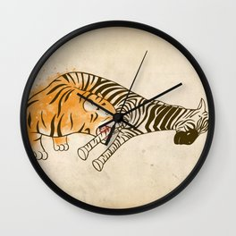 A Self Containing Food Chain Wall Clock