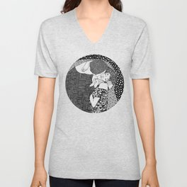 Gustav Klimt - The kiss Unisex V-Neck