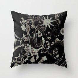 Mundo Sumergido Throw Pillow