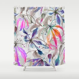 Beautiful gloriosa lily flowers with climbing leaves pattern Shower Curtain