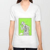 dangan ronpa V-neck T-shirts featuring kuzuryuu by Mottinthepot