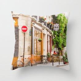 On Ile Saint-Louis Throw Pillow