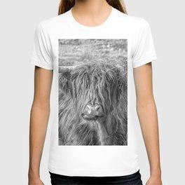 Black and white big Scottish Highland cow T-shirt
