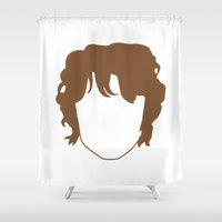 nori Shower Curtains featuring Bilbo's Smooth Face by Paranoia mit Sahne