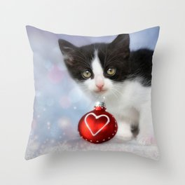 Christmas kitten Throw Pillow