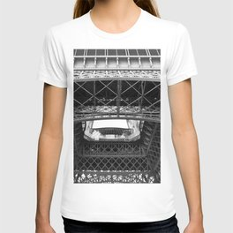 The Eiffeltower iron construction in black and white T-shirt