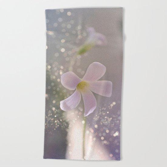 Pastel vibes floral Beach Towel
