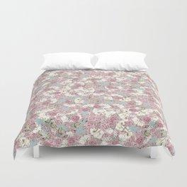 Rosas Duvet Cover