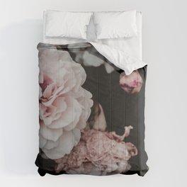 Crisp Pink flowers Comforters